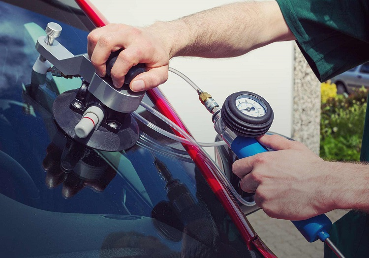 Common Windscreen Services Offered by Most Companies